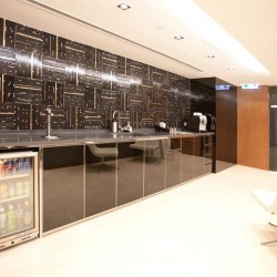 13E06_HK_BUSINES_CENTRE_SERVICED_OFFICE