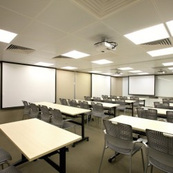 13H06_HK_BUSINES_CENTRE_SERVICED OFFICE