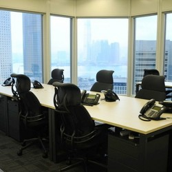 Another office area in business center. Multiple workstations. Splendid harbour view. Abundant natural light. Central Air-Conditioning. Office furniture provided. (Cheung Kong Center)