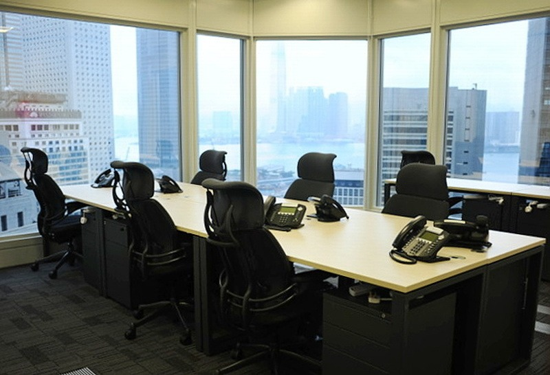 Shared Office Business Centre In Cheung Kong Center Officefinder Hong Kong Serviced Office