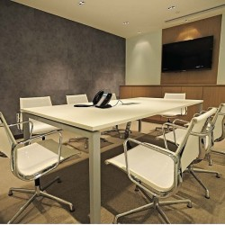 Conference room of business center. Trendy design with superior furniture. Equipped with teleconference facilities, a monitor and central air-conditioning. (Times Square Tower Two)