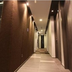 Corridor of the business center. Numerous business centers available in the building. Central Air-Conditioning. (Miramar Tower)