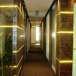 Corridor of the business center. Glamorous and stylish. Numerous business centers available in the building. (International Commerce Centre)