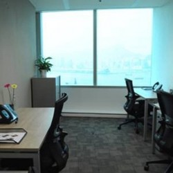 Another office area in business center. Multiple workstations. Abundant natural light. Central Air-Conditioning. Office furniture provided. (Dah Chong Hong Commercial Centre)