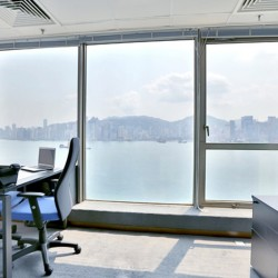 A room of single workstation. Stunning harbour view. Premium office furniture with cabinet. Central air-conditioning. (Wing On Plaza)