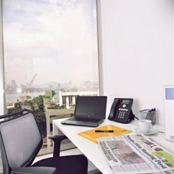 A room of single workstation. Abundant sunlight with open view. (Sino Plaza)