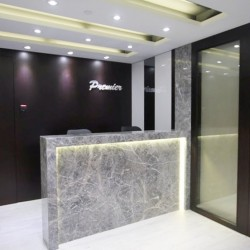 Reception of business center. Stylish design. Central air-conditioning. (Causeway Bay Plaza 2)