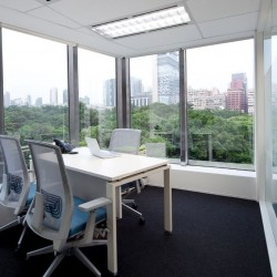38B07_ Office rooms come with big windows are able to get the sun light,abundant natural light