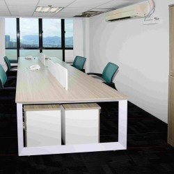 42A22_Large meeting rooms in business centre.