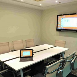 42A23-Large meeting rooms in business centre.